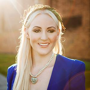 Ashleigh Brisbane fashion blogger