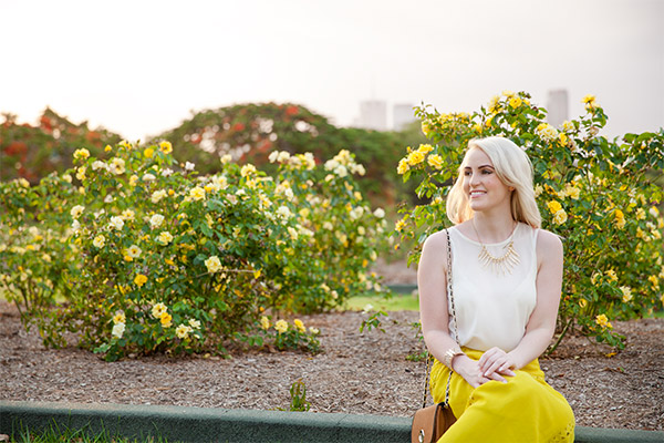 Brisbane fashion blogger Ashleigh in citrus and white